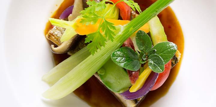 Plat cuisiné par les services de restauration inflight du GroupeNewrest servit pour les VIP dans les avions