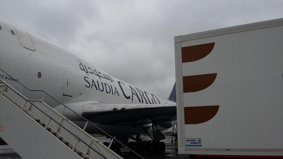 Avion au sol sur la base de Bruxelles
