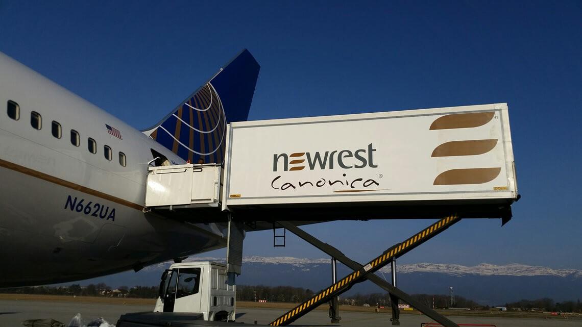 Camion de Newrest à Genève