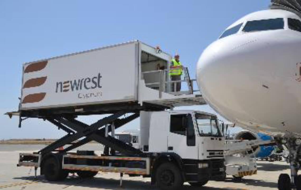 Avion au sol servit par Newrest à Larnaca