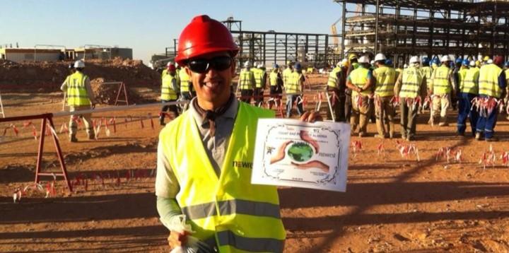 Ouvrier de chez Newrest Algérie sur le projet Touargas lors de de la journée mondiale de l'environnement
