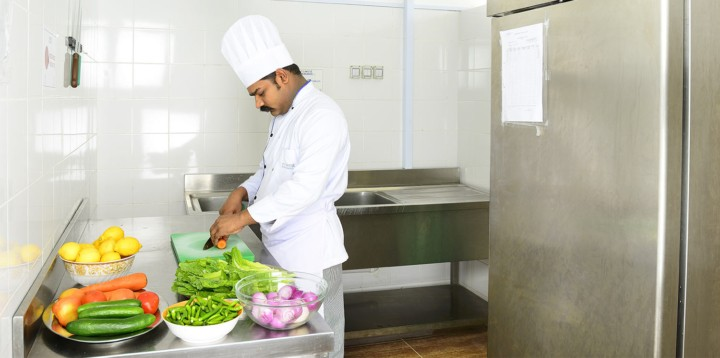 Cuisinier de Newrest Wacasco en Oman