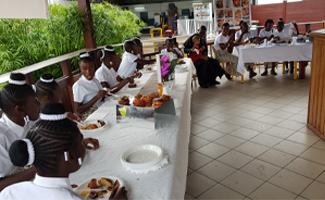 Newrest Congo Spectacle Solidaire de Noël