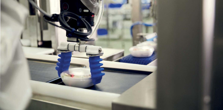 Las líneas de cobots, parte central en nuestra producción de catering aéreo